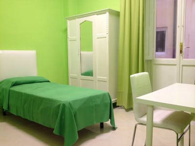 Private room for rent from 19 Aug 2019 (Corso dei Tintori, Florence)