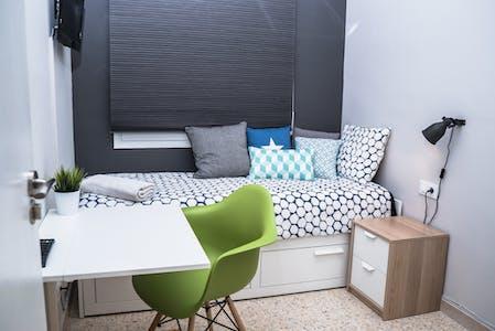 Stanza privata in affitto a barcelona carrer d 39 arag for Stanza in affitto barcellona