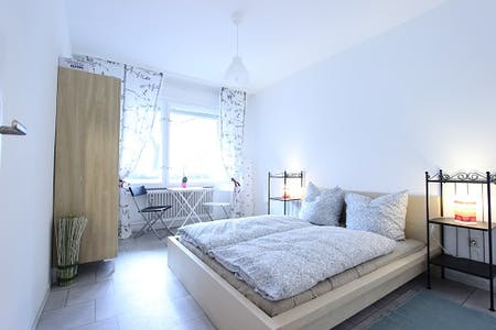 Room for rent from 16 Aug 2019 (Kreuzbergstraße, Berlin)