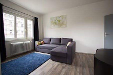 Privé kamer te huur vanaf 31 Mar 2020 (Eisenacher Straße, Berlin)