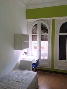 Habitación privada de alquiler desde 01 jul. 2019 (Calle Gran Vía, Madrid)