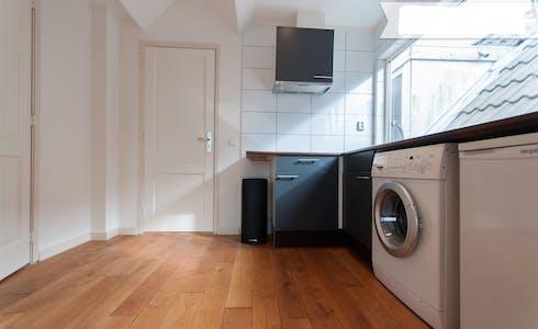 单间公寓租从05 8月 2018 (Hooidrift, Rotterdam)