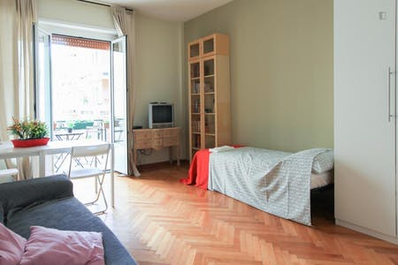 Room for rent from 01 Jan 2019 (Via Stendhal, Milano)