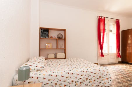 Room for rent from 02 Feb 2019 (Carrer d'Avinyó, Barcelona)