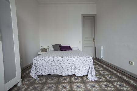 Private room for rent from 01 Jul 2019 (Carrer de Balmes, Barcelona)
