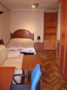 Private room for rent from 01 Jan 2020 (Avenida de los Maristas, Salamanca)