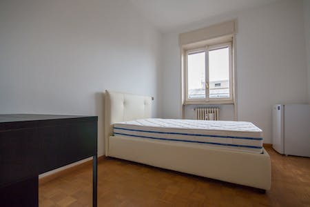 Room for rent from 01 May 2018 (Via Adeodato Ressi, Milano)