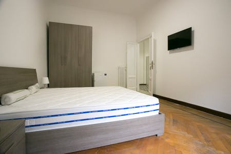 Room for rent from 11 Jan 2018  (Piazza Maria Adelaide di Savoia, Milano)