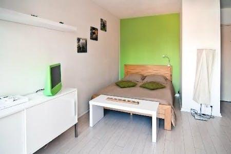 Apartamento para alugar desde 15 ago 2018 (Rue Barrau, Bordeaux)