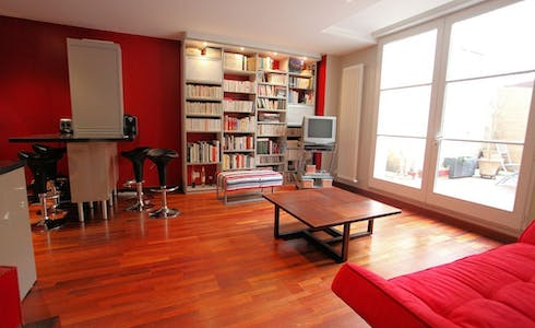 Apartment for rent from 19 Nov 2017  (Rue du Palais Gallien, Bordeaux)