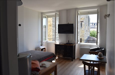 Studio for rent from 24 Feb 2018 (Rue Thiac, Bordeaux)