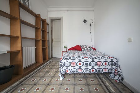 Room for rent from 01 Jul 2019 (Carrer de Balmes, Barcelona)