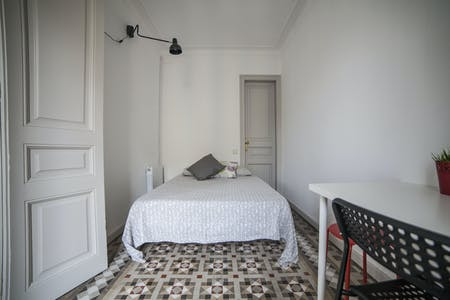 Private room for rent from 16 Jan 2021 (Carrer de Balmes, Barcelona)