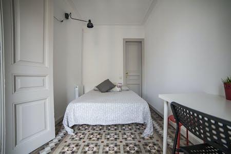 Private room for rent from 01 Jul 2019 (Carrer de Balmes, Barcelona)