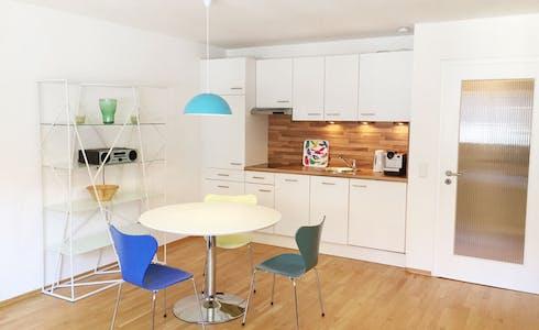 Appartamento in affitto a partire dal 19 gen 2018 (Hohenzollernstraße, München)