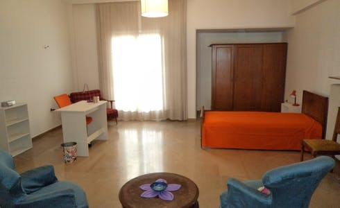 Room for rent from 02 Aug 2018 (Filis, Athens)