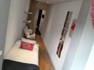 Room for rent from 22 Jul 2018 (Plaza Alonso Martínez, Madrid)