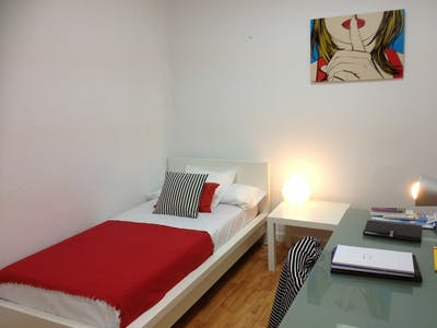 Room for rent from 19 Aug 2017  (Plaza Alonso Martínez, Madrid)