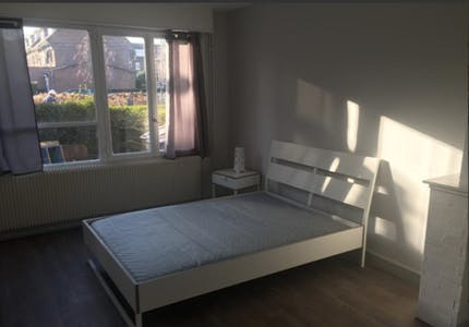 Room for rent from 16 Jan 2018 (Rue Alexandre Ribot, Lille)