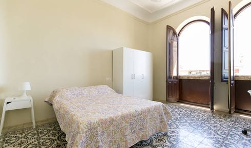 Private room for rent from 01 Feb 2019 (Avenida de la Constitución, Granada)