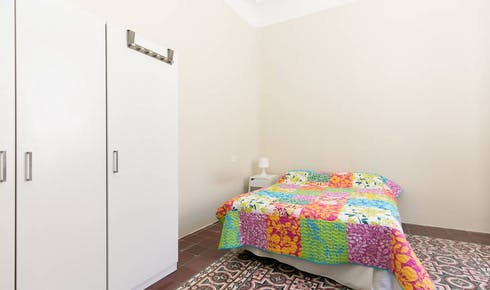 Room for rent from 01 Jul 2018 (Avenida de la Constitución, Granada)