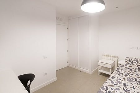 Room for rent from 01 gen 2018  (Calle del Arenal, Madrid)