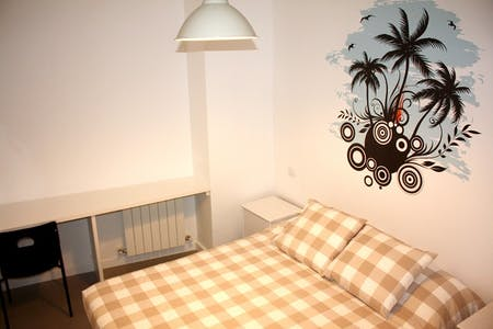 Room for rent from 21 Jan 2018 (Calle del Arenal, Madrid)