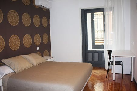 Room for rent from 16 Jul 2018 (Gran Vía, Madrid)