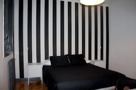 Room for rent from 01 Jan 2018  (Gran Vía, Madrid)