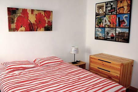 Room for rent from 16 Jan 2018 (Ronda de Segovia, Madrid)