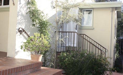 Apartamento para alugar desde 22 mai 2018 (Claremont Boulevard, Berkeley)
