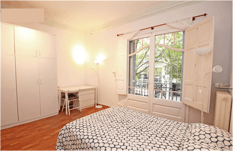 Private room for rent from 01 Jul 2019 (Carrer de Muntaner, Barcelona)