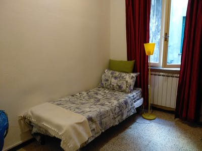 Private room for rent from 17 Feb 2020 (Via Antonio Ceci, Pisa)