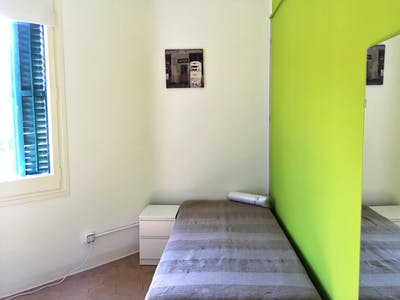 Room for rent from 01 Jun 2018  (Carrer de Muntaner, Barcelona)