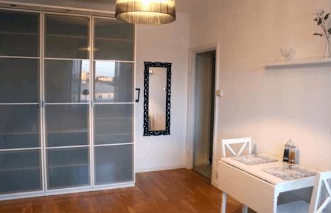Chambre privée à partir du 23 Jul 2019 (Lidnersplan, Kungsholmen)