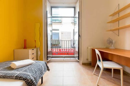 Room for rent from 20 Sep 2017  (Calle del Mesón de Paredes, Madrid)