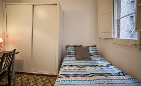 Room for rent from 28 Dec 2018 (Carrer del Consell de Cent, Barcelona)