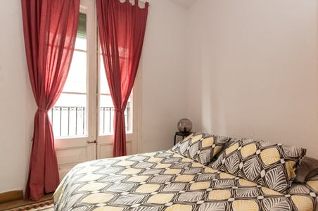 Private room for rent from 26 Aug 2019 (Carrer d'Avinyó, Barcelona)