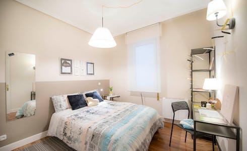 Room for rent from 01 Jan 2018  (Castaños Kalea, Bilbao)