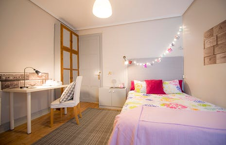 Private room for rent from 23 Dec 2019 (Fika Kalea, Bilbao)