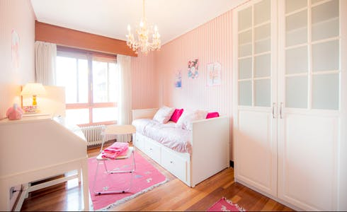 Habitación de alquiler desde 01 ene. 2018  (Amadeo Deprit Kalea, Bilbao)