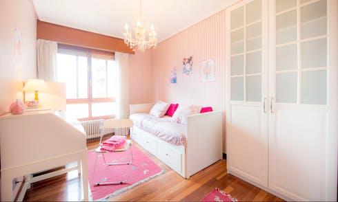 Habitación privada de alquiler desde 01 Jan 2020 (Amadeo Deprit Kalea, Bilbao)