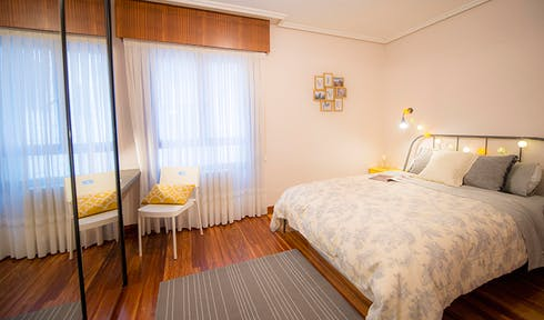 Private room for rent from 01 Oct 2019 (Zorrotza Kastrexana Errepidea, Bilbao)