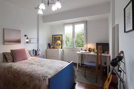 Private room for rent from 01 Jul 2019 (Cocherito de Bilbao Kalea, Bilbao)