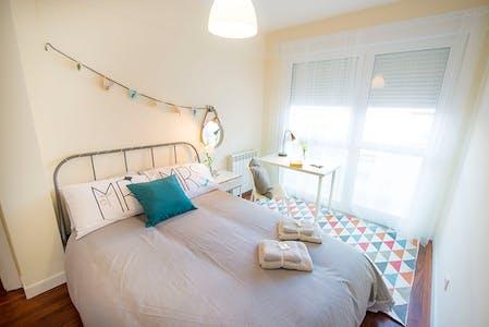 Private room for rent from 01 Mar 2020 (Euskal Herria Kalea, Getxo)