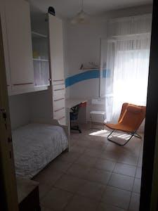 WG-Zimmer zur Miete ab 09 Apr. 2020 (Via San Donnino, Pisa)
