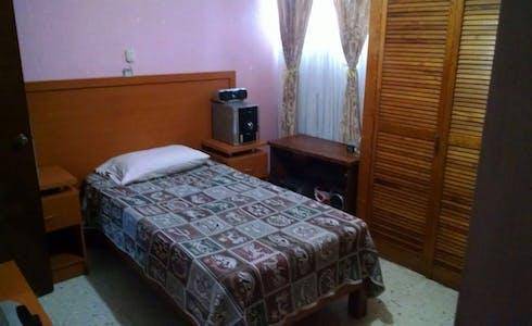 Room for rent from 15 Dec 2017  (Plateros, Guadalajara)