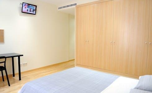 Room for rent from 01 Jul 2018 (Carrer del Regomir, Barcelona)
