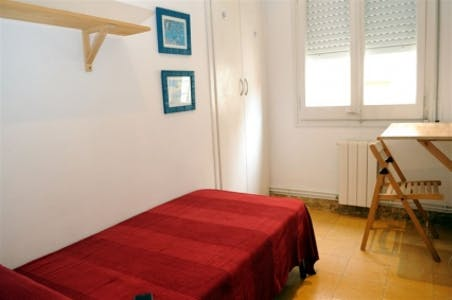 Private room for rent from 01 Feb 2020 (Carrer de Terol, Barcelona)