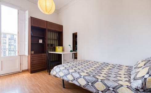 Room for rent from 28 Aug 2018 (Carrer del Consell de Cent, Barcelona)